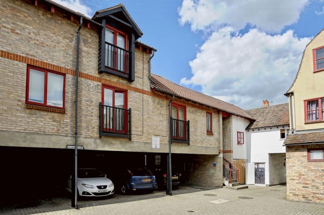 Images for St. Georges Court, High Street, Huntingdon. EAID:OliverJames BID:Oliver James